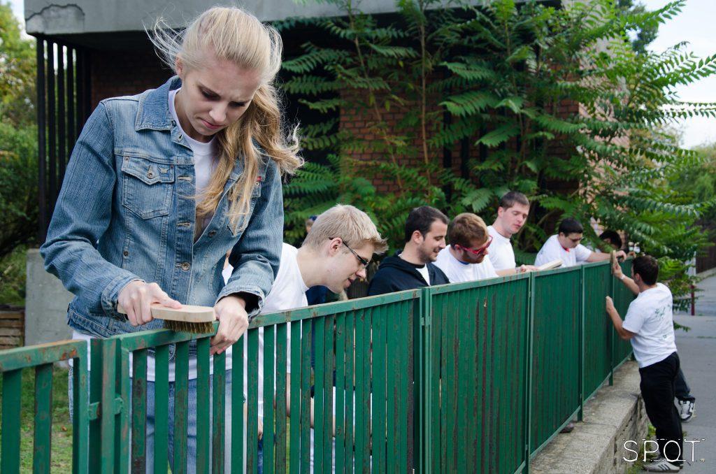 BME Önkéntes Nap kerítésfestés
